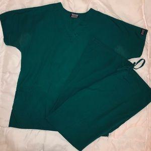 Cherokee women's scrub set — forest green